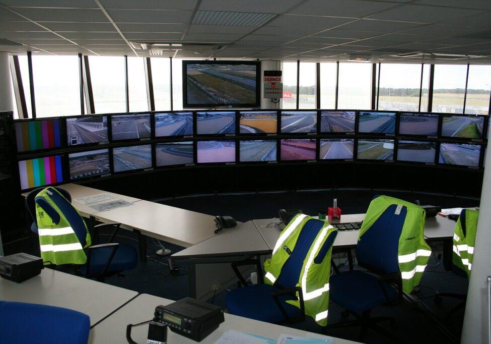 control-room-69118_1280-1024x682